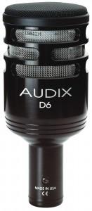 Belli çalgılar veya frekans aralıklarına yönelik olarak üretilmiş mikrofonlar da mevcut. Bu gördüğünüz arkadaş bas gitar amplisi, kick, floor tom gibi sinyalleri kaydetmek için özel olarak tasarlanmış çok yüksek sinyal seviyelerinde bile seste bozulmaya sebep olmayan bir dinamik mikrofon. Diğer alternatifler: AKG D112, Electro-Voice RE20, Shure Beta 52A
